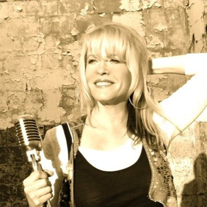 Photo of DeeAnn Dominy, interviewed for Ben's Country Music Show.